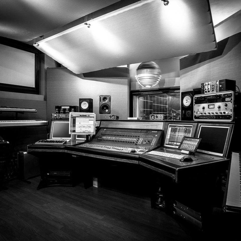 StudioHeader_OK